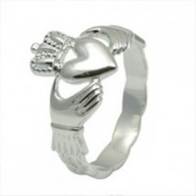 Ladies Claddagh Ring In Sterling Silver